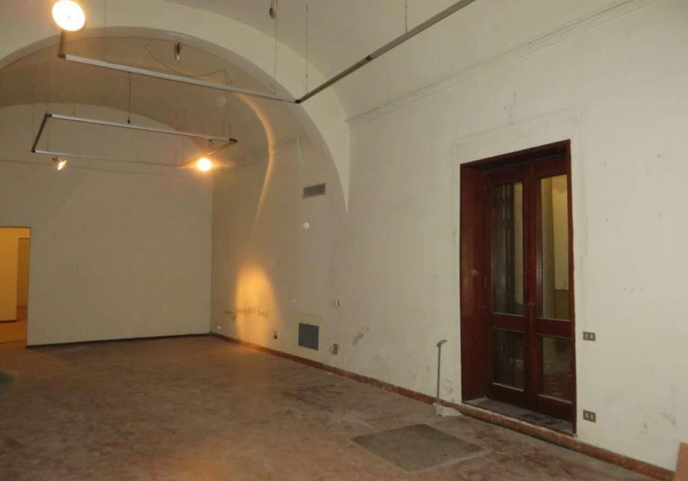 Via Borgognissanti,Borgognissanti,Firenze,Italy 50123,2 BathroomsBathrooms,Commerciale,Via Borgognissanti,34